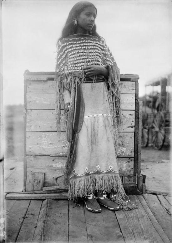 Коренные жительницы Северной Америки (25 фото)