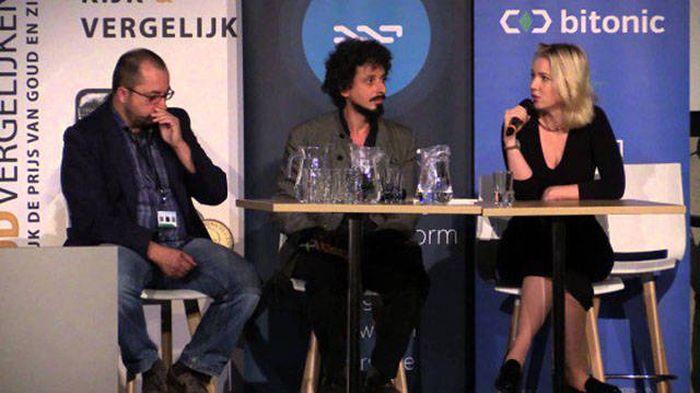 Голландская фетиш-модель Анцилла Тилия подалась в политику (29 фото)