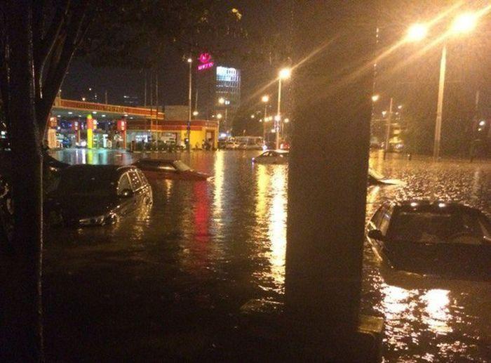 Потоп в Ростове-на-Дону (20 фото + 2 видео)