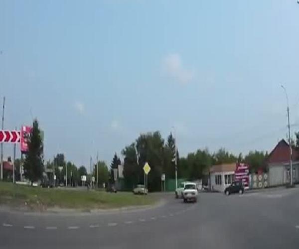 В Тюмени пешехода отправили в глубокий нокаут