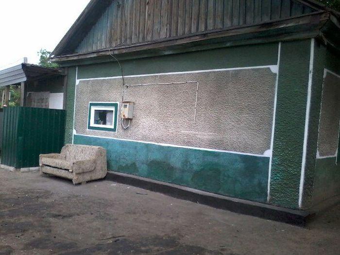 В Казахстане неизвестные меценаты купили дом многодетной семье погорельцев (10 фото)