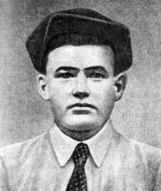 Подвиг героя Великой Отечественной войны Михаила Паникаха (2 фото)