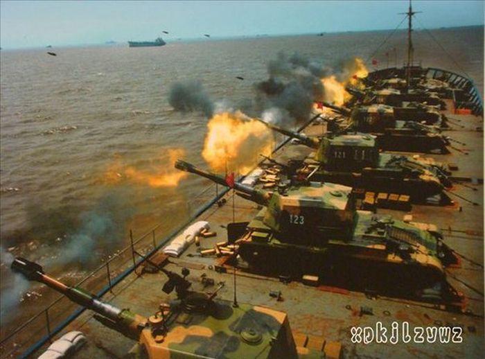 Китайский эксперимент средств поддержки десанта (2 фото)