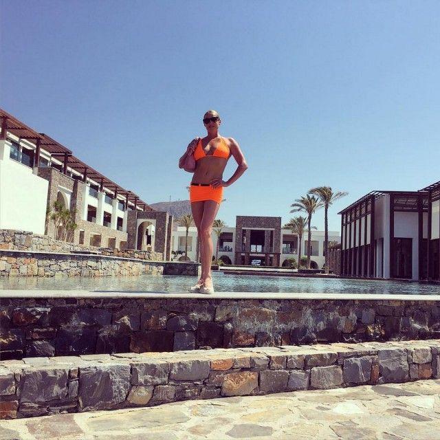 Анастасия Волочкова поделилась откровенными фото с Крита (11 фото)