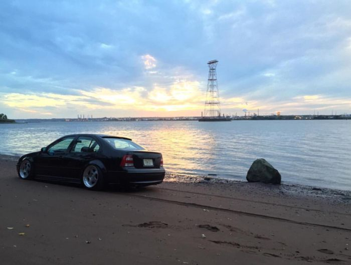 Фотосет VW Jetta пошёл не по плану (4 фото)