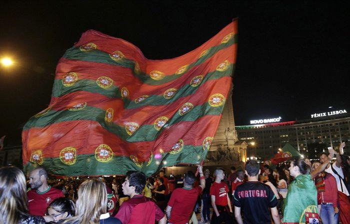 Сборная Португалии выиграла Евро-2016 (22 фото + 3 видео)