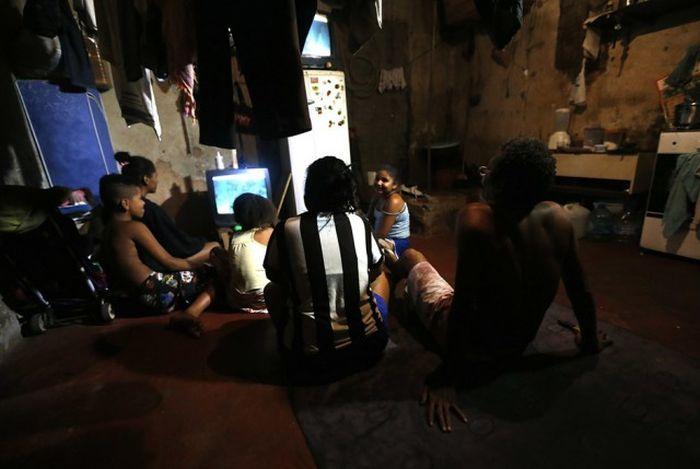 Квартал красных фонарей в трущобах Рио-де-Жанейро(9 фото)
