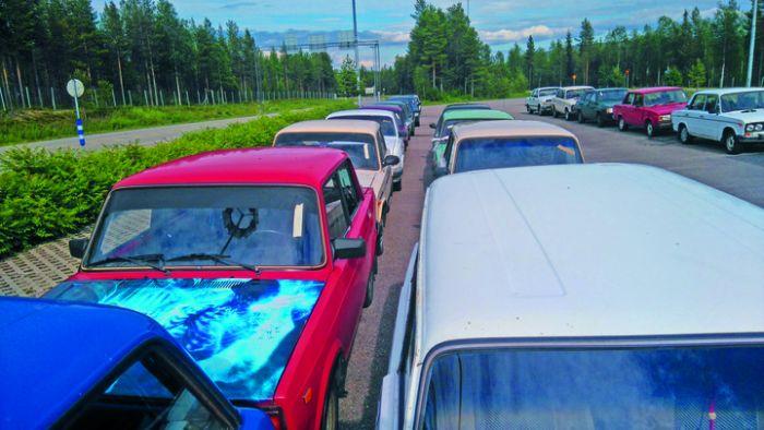 В Финляндии пройдет аукцион брошенных беженцами российских автомобилей (4 фото)