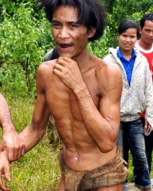 Двое жителей Вьетнама более 40 лет прятались в лесу от американских бомбежек (9 фото)