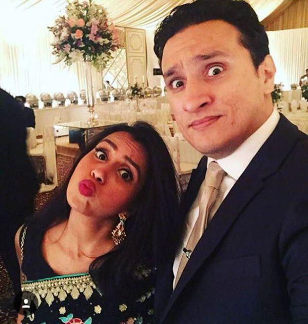 Пакистанка опубликовала фото медового месяца, проведенного в одиночестве (12 фото)