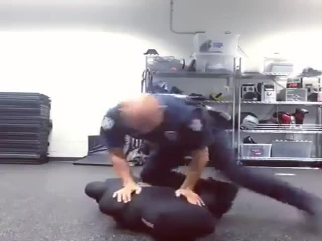 Тренировка полицейского