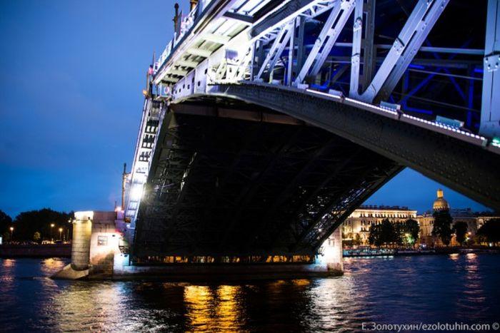 Кто и как разводит разводные мосты Санкт-Петербурга (27 фото)