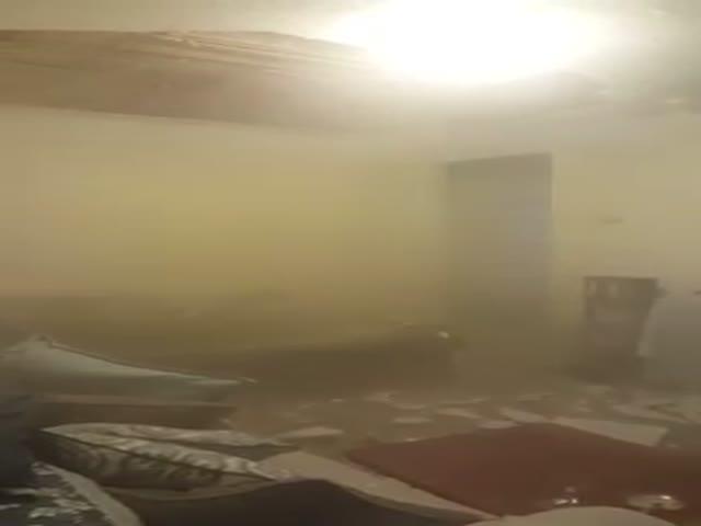 Жительница Нью-Йорка сняла на видео обрушение потолка