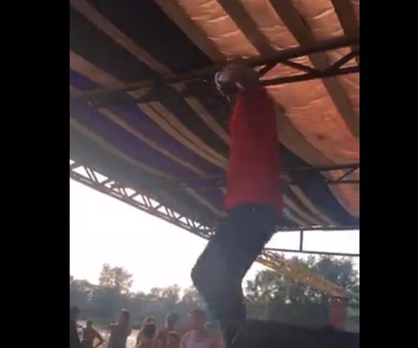 Рэпер Natan во время выступления в Кемерово провалился под сцену