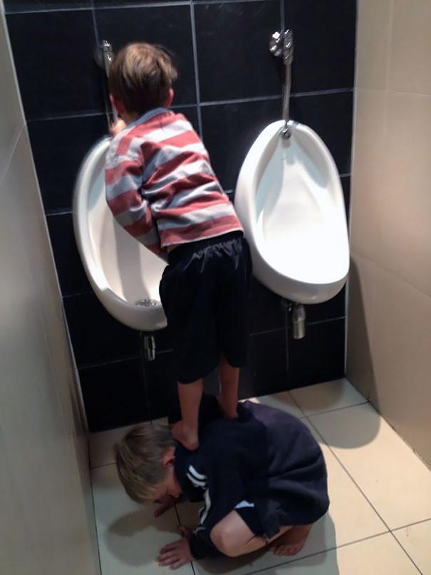 Добрые поступки детей (44 фото)