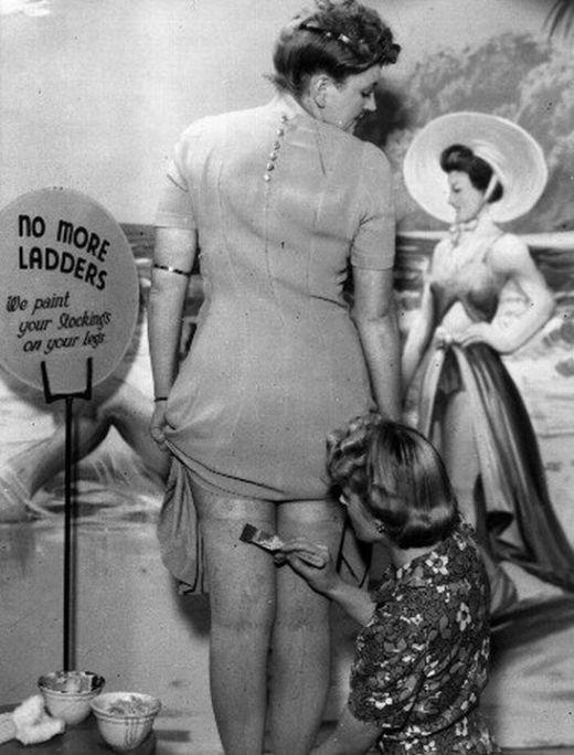 Откуда появилась мода на бритые женские ноги (4 фото)