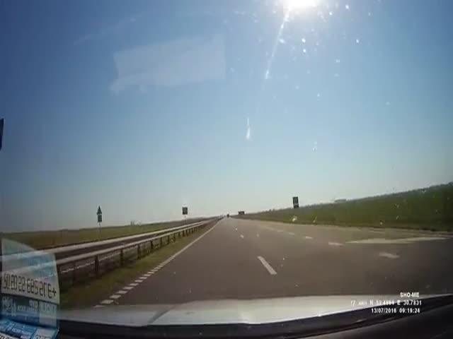 Водитель чудом избежал аварии