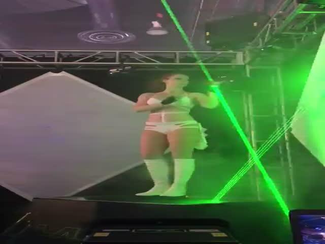 Потрясающее лазерное шоу