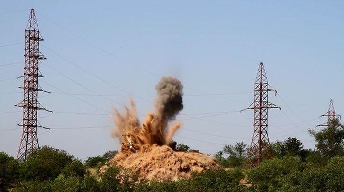 В Крыму уничтожили 500-килограммовую авиабомбу времен ВОВ (5 фото + видео)
