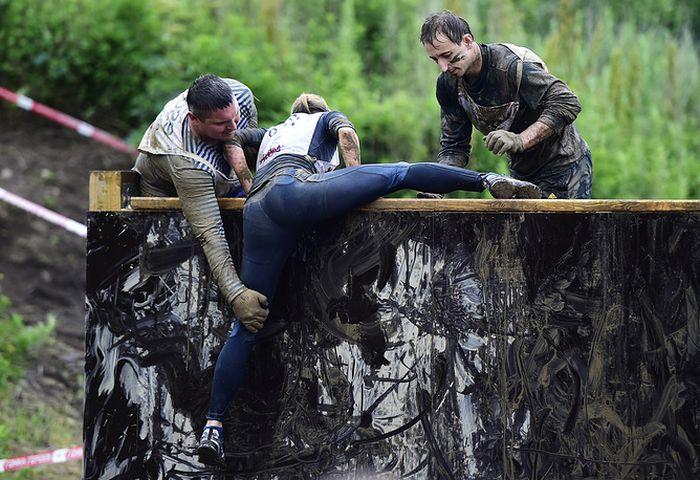 Во Владивостоке прошла военно-спортивная игра «Гонка героев» (25 фото)