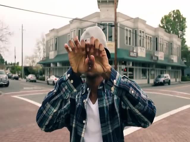 Танец пальцами под композицию Mark Ronson - Uptown Funk
