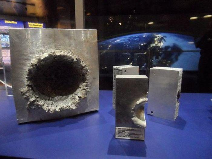 Повреждения в космосе (5 фото)