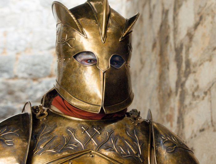 Хафтор Бьернссон, Григор «Гора» Клиган из «Игры престолов», показал изуродованное гримом лицо (2 фото)