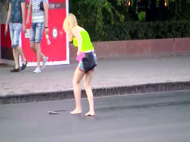 В Волгограде прохожие стали прилипать к асфальту из-за жары