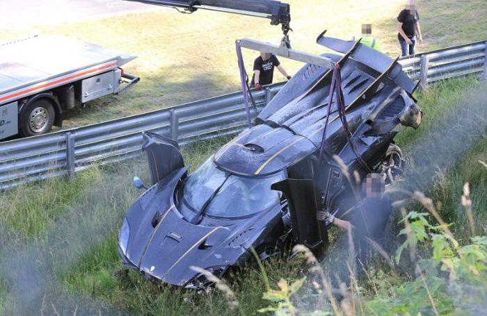 На трассе Нюрбургринг разбили гиперкар Koenigsegg One:1 за 6 миллионов долларов (8 фото)