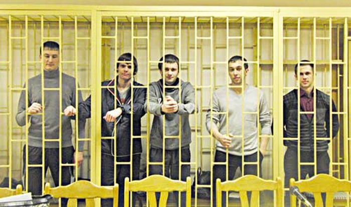 Суд присяжных оправдал банду «приморских партизан» (12 фото)