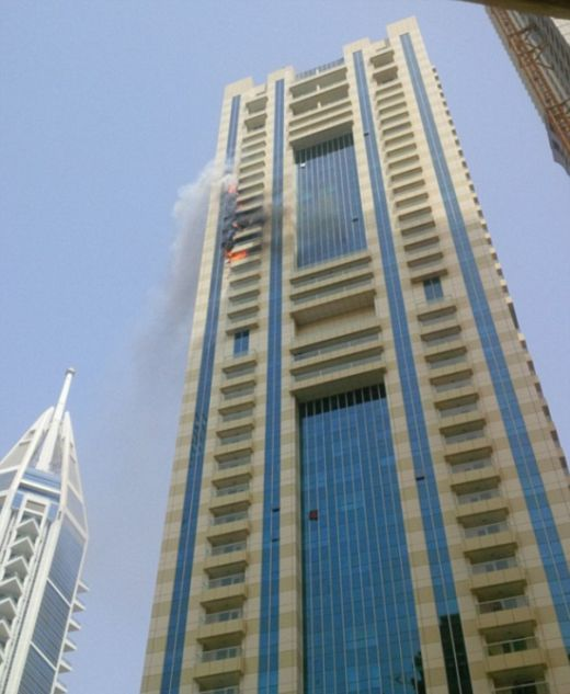 В Дубае на небоскребе Sulafa Tower произошел пожар (8 фото + видео)