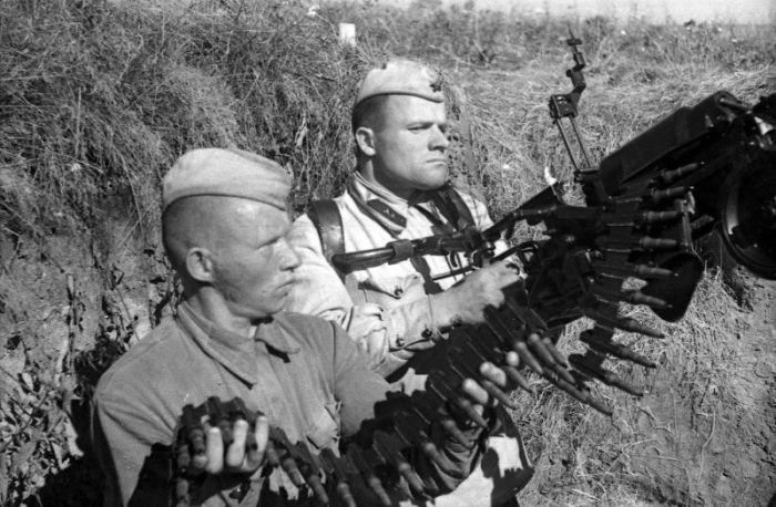 Как генерал-полковник Иван Чистяков солдата от расстрела спас (2 фото)