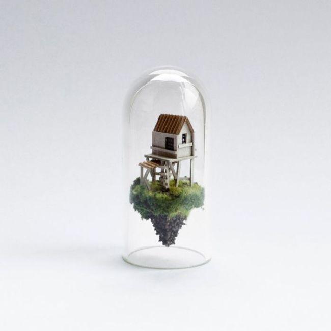 Миниатюрные домики в пробирках (9 фото)
