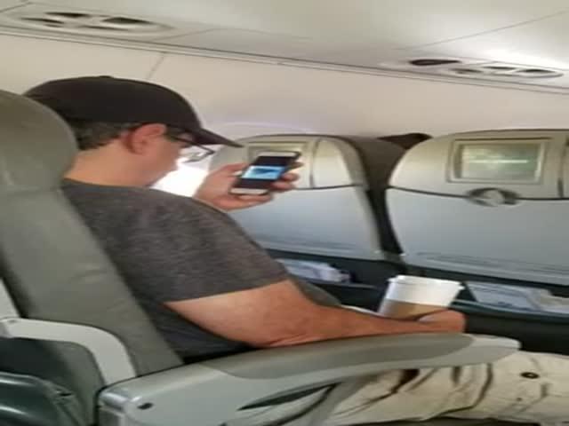 Пассажир самолета посмотрел видео с терактами 11 сентября перед взлетом