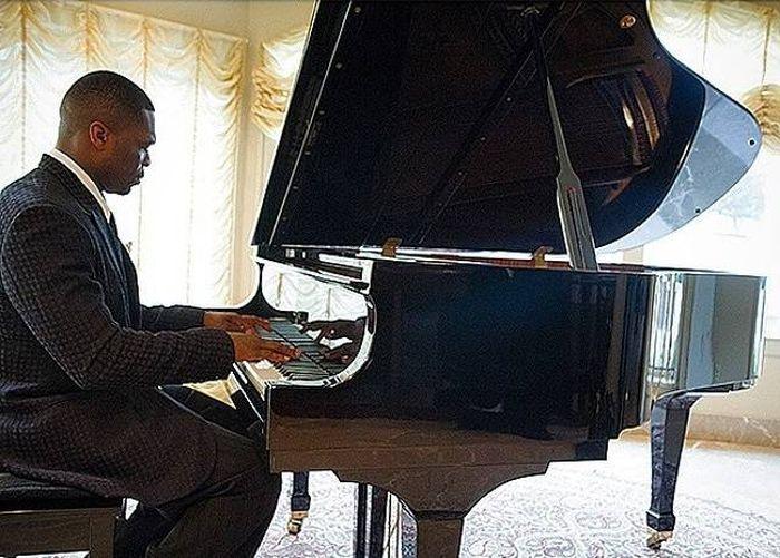 Рэпер Кертис Джексон (50 Cent) вынужден продать свой роскошный особняк (17 фото)