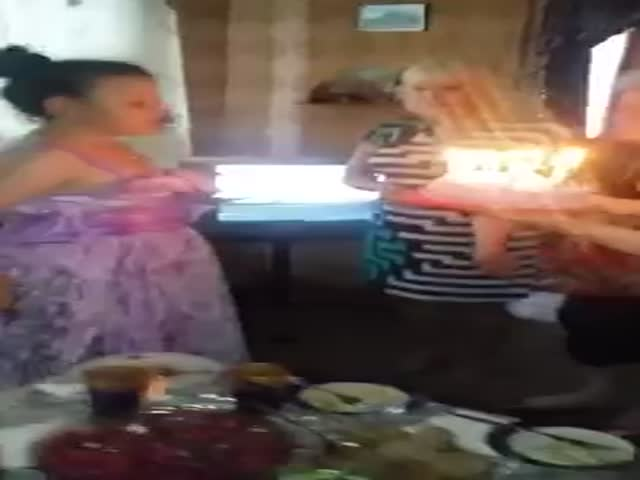 Девочку поздравили с Днем рождения