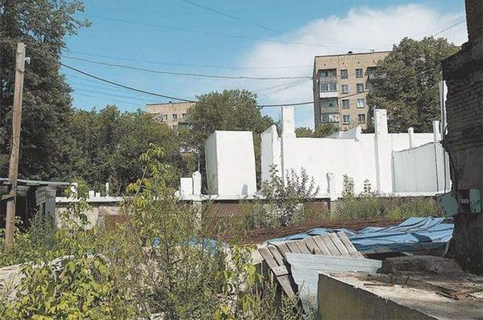 7-этажный медицинский центр за 135 млн рублей, построенный лишь на бумаге (2 фото)