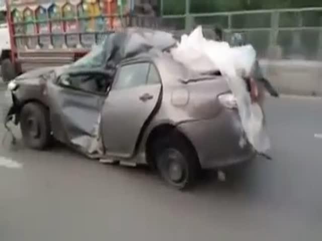 Типичная картина на дорогах Пакистана