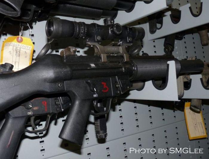 Оружейная комната «Морских котиков» ВМС США (50 фото)