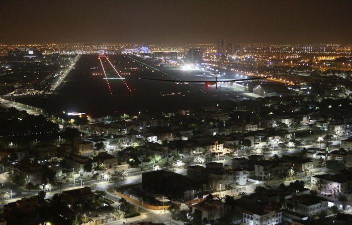Самолет на солнечных батареях Solar Impulse 2 завершил кругосветный перелет (8 фото)