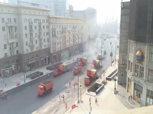 Укладка асфальта на Тверской