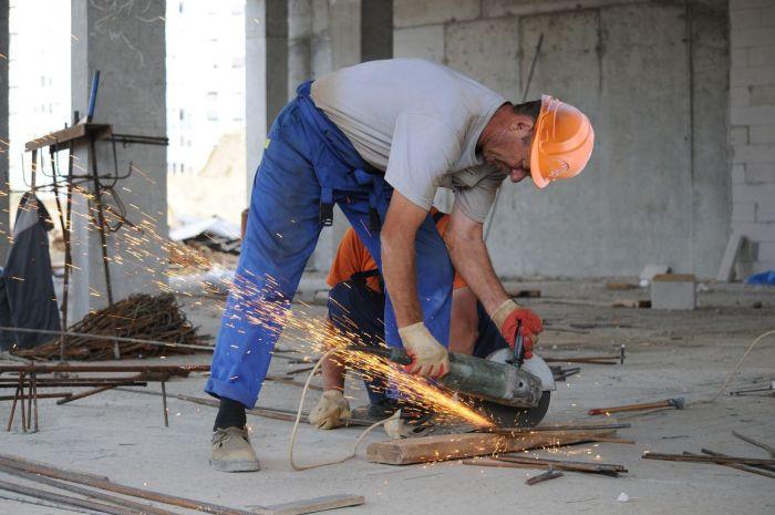 В Белгороде рассказали о стройке новой школы с помощью отфотошопленных снимков (5 фото)