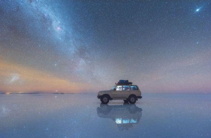 Отражение Отражение Млечного Пути в солончаках Боливии (4 фото)