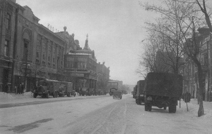 Советские города в немецкой оккупации (33 фото)