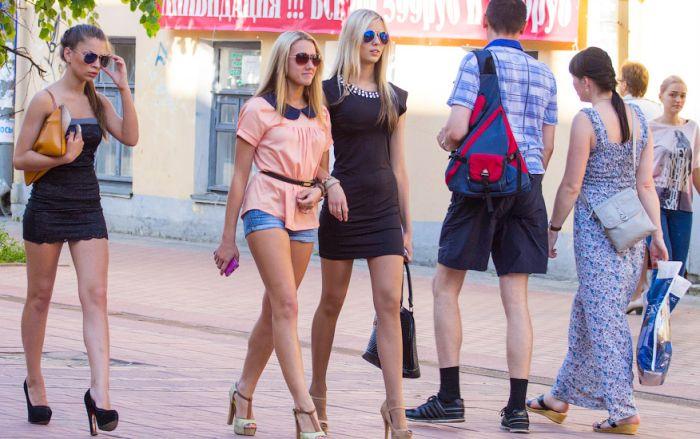 Ради популярности в соцсетях волгоградские школьницы публикуют свои интимные фото (7 фото + текст)