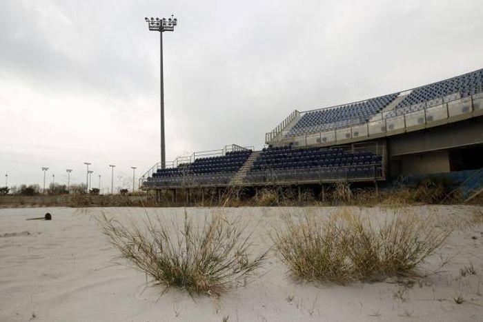 Олимпийская деревня в Афинах спустя 12 лет после Олимпиады (32 фото)