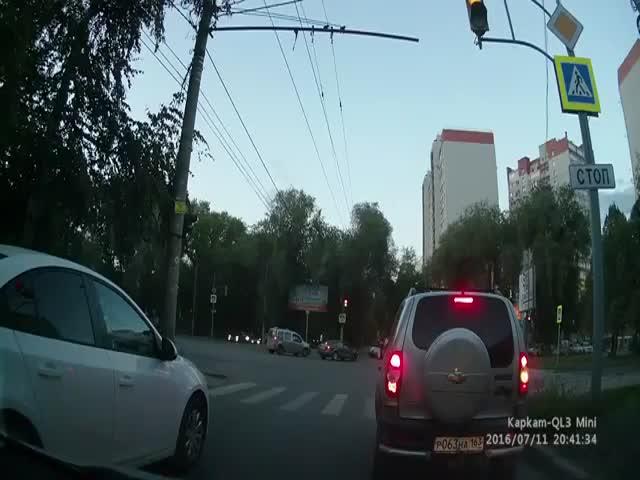 «Шпионский» автомобиль в Самаре