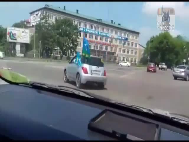 Уссурийские десантники подмели улицы города флагом США