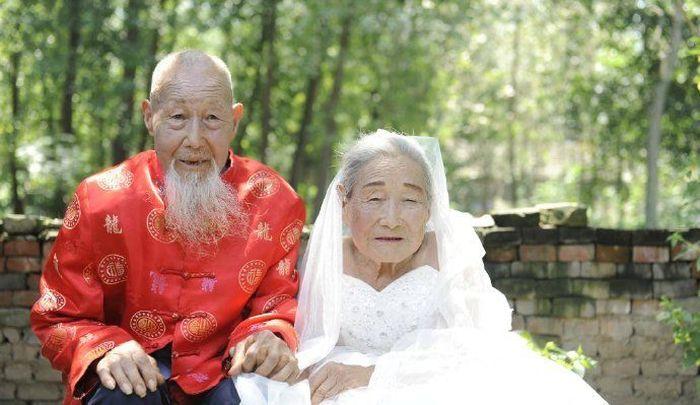 Первая свадебная фотосессия китайских старожилов (6 фото)