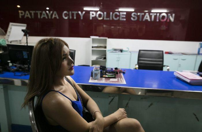 Таиланд намерен бороться с секс-туризмом (12 фото)